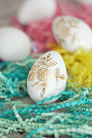 Easter Egg Decorations To Make by Easter Egg Ideas Gold Foil Tattoos Diycandy Com