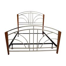 Metal Frame Bed Queen 34 Off Wood Post And Metal Frame Queen Bed Frame Beds