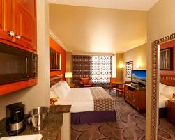 Guest Bedroom Bed - las vegas hotel rooms suites hilton grand vacations on the las