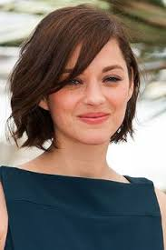 how to style chin length layered hair 50 haircuts to copy right now chin length bob long bangs and