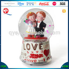 wedding souvenirs wedding souvenirs snowball water globe favors wedding snow globe