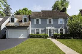 large luxury homes large home on a lovely tree lined illinois luxury homes