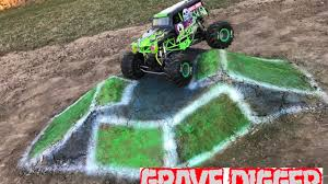 monster truck videos freestyle axial grave digger monster truck freestyle 2 scale r c monster