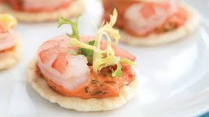 recette canape canapés aux crevettes et au poivron grillé recettes iga