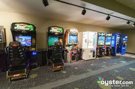 game room at the radisson hotel bloomington by mall of america