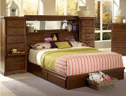 Leather Headboard Queen Bed by Queen Bed With Shelf Headboard 22657