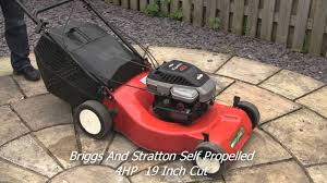 briggs and stratton petrol lawnmower quattro 40 test review youtube