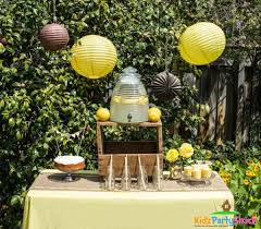 bumble bee baby shower theme backyard bumblebee baby shower baby shower ideas themes