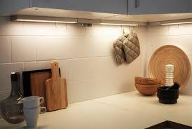 eclairage sous meuble cuisine led luminaires cuisine éclairage intégré cuisine ikea