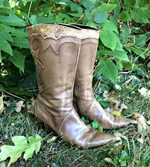 womens cowboy boots size 9 1 2 embroidered leather womens cowboy boots high heel cowboy boots