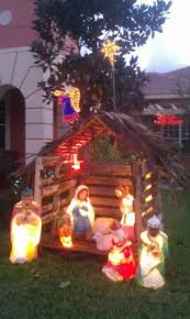 Outside Christmas Decorations Nativity Scene by Best 25 Outdoor Nativity Ideas On Pinterest Outdoor Nativity