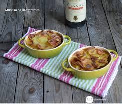 cuisine yougoslave de pommes de terre au boeuf serbe musaka sa krompirom