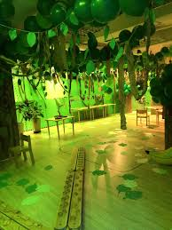 theme decorating ideas 25 best jungle decorations ideas on jungle party