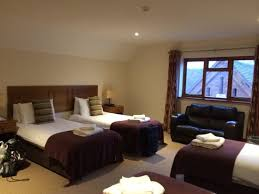 Fabulous Extra Large Family Rooms Four Single Beds Extremely - Hotel rooms for large families