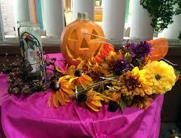 Dia De Los Muertos Halloween Decorations Dia De Los Muertos Altar The Year Of Living Fabulously