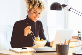 que manger le midi au bureau comment manger sain et équilibré pendant une courte pause déjeuner