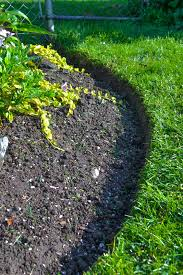 the proper way to make a bed best 25 flower bed edging ideas on pinterest garden edging