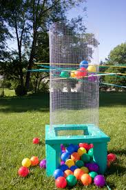 10 giant yard games you can diy from yahtzee to kerplunk