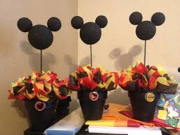 Ideas For Centerpieces For Birthday Party by Best 25 Mickey Mouse Centerpiece Ideas On Pinterest Mickey