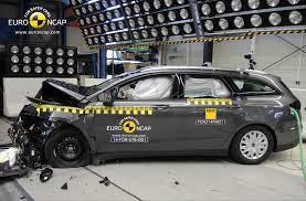 family car ford euroncap announces crash test scores for land rover discovery
