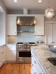 light blue kitchen backsplash aposte nas texturas blue glass tile kitchens and blue subway tile