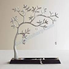 teki 25 den fazla en iyi jewelry tree stand fikri