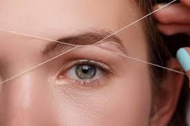 How To Tweeze Your Eyebrows Plucking Vs Waxing Vs Threading Pageant Planet