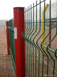 2017 supplier cheap triangle bending fence 3d welded wire mesh