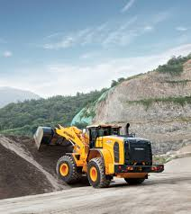 hyundai introduce the new hyundai hl975 wheeled loader at samoter