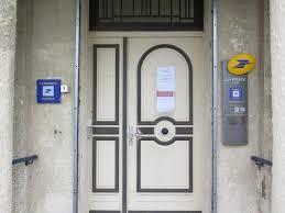 bureau de poste lazare la poste ferme bureau la ville s apprête à prendre le relais