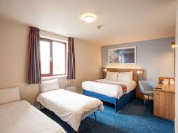 London Wembley Hotel Wembley Accommodation Travelodge - London hotels family room