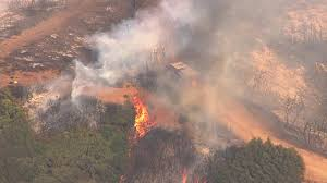 Colorado Wildfire Status by Wildfire Spreads To At Least 1 000 Acres Burns Homes In Santa