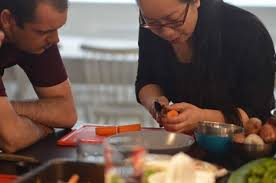 cours de cuisine vietnamienne trân minh tâm ambassadrice de la cuisine vietnamienne le courrier