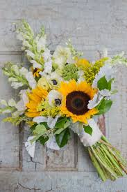 sunflower bouquets sunflower wedding bouquet diy sunflower wedding bouquets to