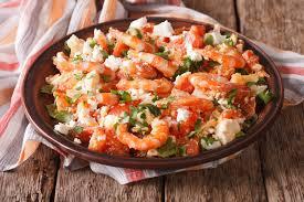 cuisiner des crevettes recette santé crevettes tomates et feta à la grecque