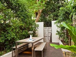 Gardening For Small Yards Aralsacom - Designs for small backyards