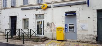 bureau de poste villejuif bureaux de la poste en val de marne le ministre donne de