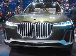 luxury bmw 2017 bmw aims to be no 1 in the x7 luxury suv segment