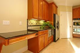 how to build kitchen cabinets video diy painting kitchen cabinets