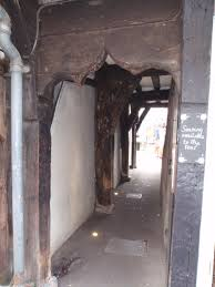 york chambre an alley way entrance in the shambles york photo by alison chambre