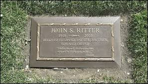 grave plaques the grave of ritter actor tripper on three s