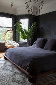 black walls in bedroom 27 stylish bedrooms with black walls digsdigs