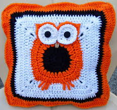 Free Cushion Crochet Patterns Happier Than A Pig In Mud Crochet Owl Pillow Cover Pattern