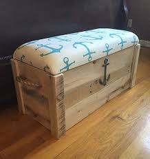 Build A Toy Box Bench Seat by Best 25 Storage Chest Ideas On Pinterest Diy Furniture Plans