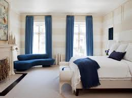 Two Tone Blue Bedroom Modern Bedroom With Wall Decor And Two Tone Drapes Tips To
