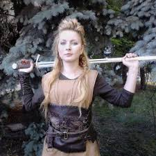 how to plait hair like lagertha lothbrok 83 best vikings images on pinterest costumes fandom and hair