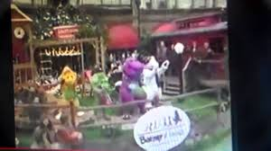 barney in the 2004 macy s thanksgiving day parade