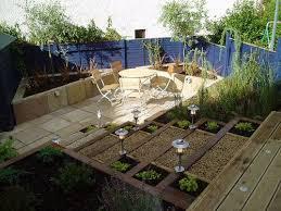 how to design a courtyard garden christmas ideas free home