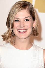 32 best long bob hairstyles our favorite celebrity lob haircuts our 10 favorite haircuts for spring rosamund pike haircuts and bobs
