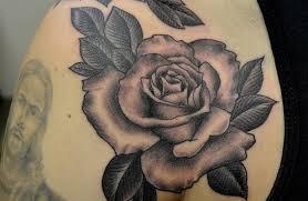 de tatuajes de rosas tatuajes de rosas y todos sus significados mujeres femeninas